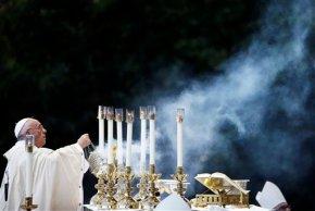 Uganda fundraises, spruces up shrine for popevisit