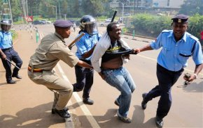 Kenya police tears-gas protest against corruption