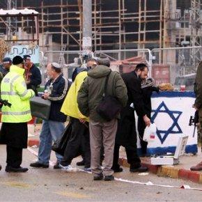 Israeli troops kill 2 Palestinians after stabbingattempts