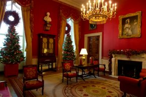 Snow people, snowflakes star in White House holidaydecor