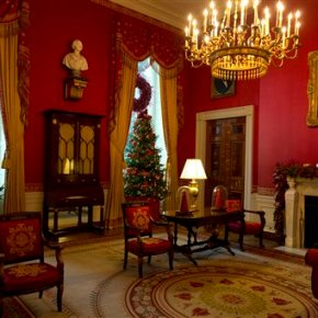 Snow people, snowflakes star in White House holiday decor