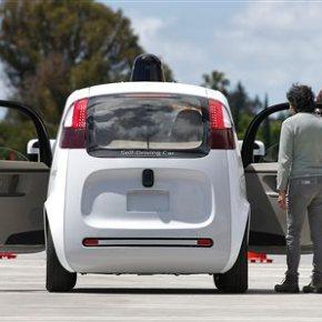 Google: Self-driving cars improve, but still need humanhelp