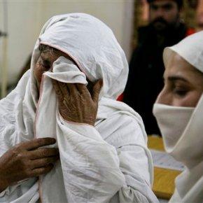 Militants kill 20 in assault on Pakistaniuniversity