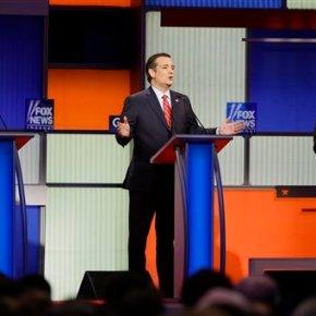 Cruz heads to tiny Iowa towns to complete 99-countytrek