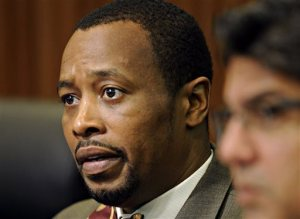 Norfolk official indicted on public corruption charges
