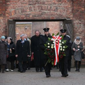 Holocaust victims honored 71 years after Auschwitzliberated