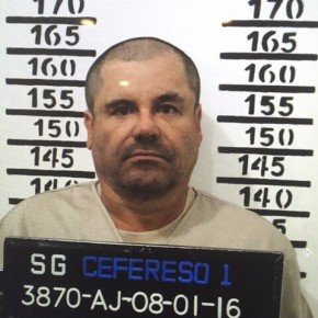 Mexico moving recaptured drug lord Guzman from cell tocell