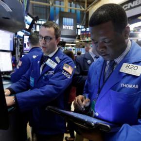 US stocks back to flat as oil price pares gains