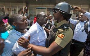 Uganda: Opposition candidate briefly arrested aftervoting