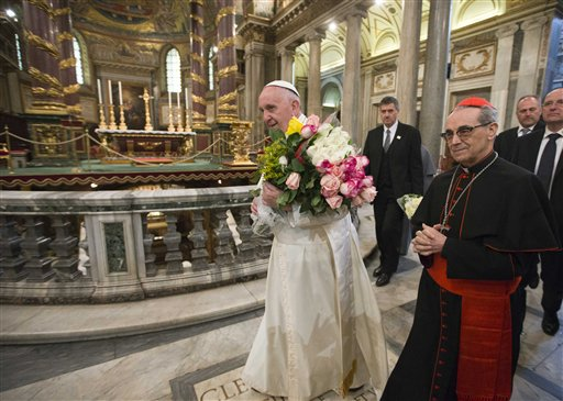 Pope Francis arrives to pay a visit to the St. Mary Major Basilica Rome, Thursday, Feb. 18, 2016. Pope Francis landed in Rome Thursday after a week-long trip to Mexico. (AP Photo/Alessandra Tarantino)