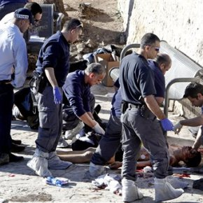 Palestinians kill Israeli officer before being shotdead