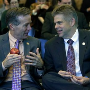 Swing state Virginia getting lots of last-minute attention