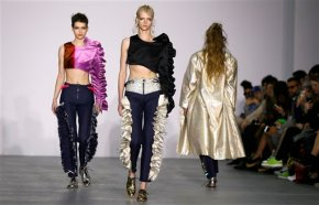 London Fashion Week kicks off 5 days of shows; sun peeks out