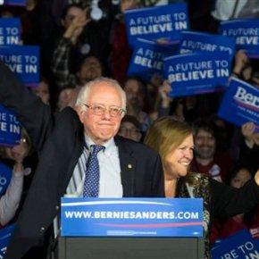 Cruz tops Trump in Iowa; Clinton, Sanders in tight Demrace
