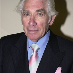 Academy Award-nominated UK actor Frank Finlay dies at 89