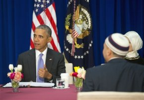 Decrying anti-Muslim bias, Obama pays 1st visit to US mosque