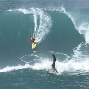 Hawaii's big wave surf competition called off