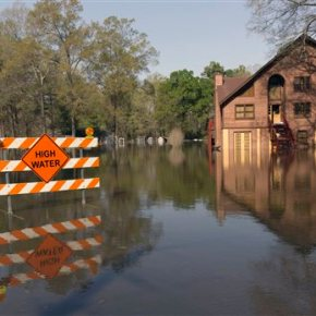 Louisiana, Mississippi: Thousands of homes damaged in floods