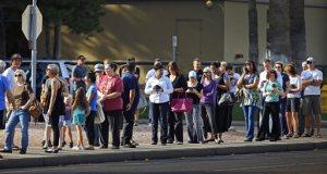 People wait in line to vote in the Arizona Presidential Primary Election at Mountain View Lutheran Church in Phoenix, Ariz., Tuesday, March 22, 2016. (David Kadlubowski/The Arizona Republic via AP) MANDATORY CREDIT