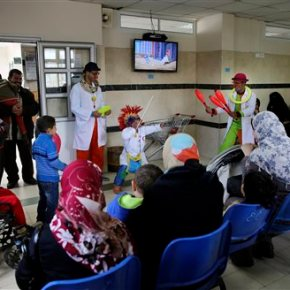 2 Palestinian clowns offer relief to kids in Gaza hospitals