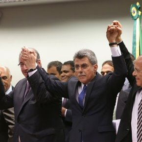 Brazil's biggest party abandons president, quitscoalition