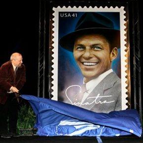 Frank Sinatra Jr. dies of cardiac arrest while ontour