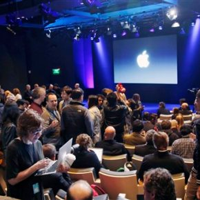 Apple starts a busy week with new iPhonelaunch