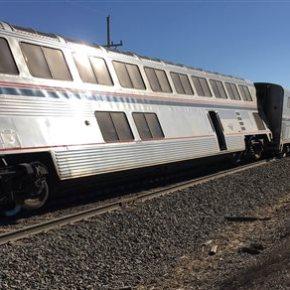 Amtrak train derails in Kansas, injuring at least32