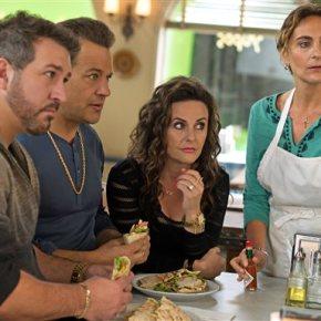 Review: 'Big Fat Greek Wedding 2' is a big fatletdown