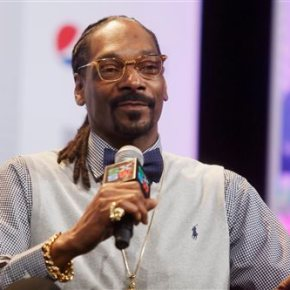 Snoop Dogg responds to call of the wild on 'PlanetSnoop'