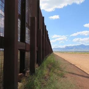 Trump's border wall plan draws mixed reactions inArizona