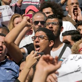 Egypt protests after el-Sissi gives islands to SaudiArabia