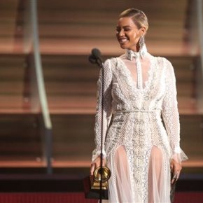 Beyonce slays at tour opening, offers no insight intoalbum