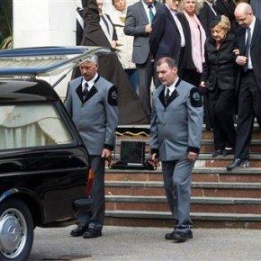 Hungary's Nobel-winning author Imre Kertesz laid torest