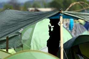 Refugees, rights groups buoyed by papal spotlight