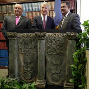 Ancient Buddhist sculpture returned to Pakistanigovernment
