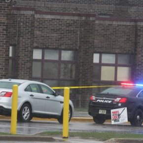 Gunman wounds 2 outside Wisconsin prom before cops kill him