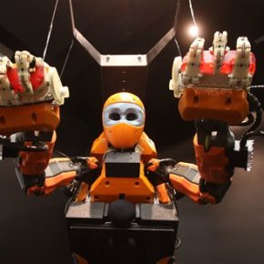 France shows off humanoid underwater exploration robot