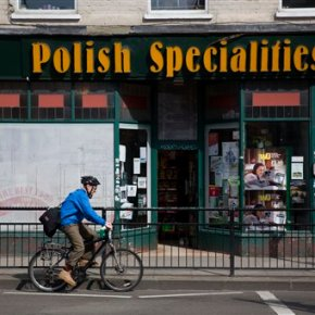 Polish workers in UK worry about possibility ofBrexit