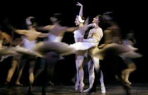 Romania's opera bans ballerina Cojocaru from enteringalone