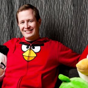 'Angry Birds' maker wants phones out as film creditsroll