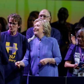 Clinton: Trump could 'bankrupt America' like hiscompanies