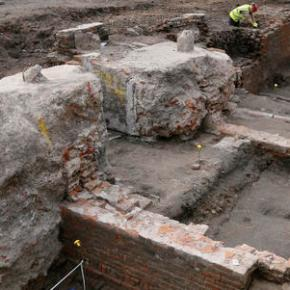 Dig at theater where Shakespeare worked uncovers asurprise