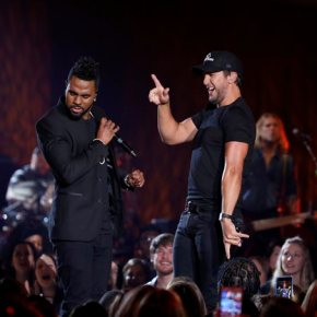 R&B singer Jason Derulo says he 'loves' country music
