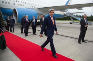U.S. Secretary of State John Kerry walks to his car after stepping off his plane after arriving for meetings, and the Oslo Forum, Wednesday, June 15, 2016, in Oslo. (AP Photo/Evan Vucci, Pool)