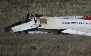 Pilot safely ejects in Colorado before Thunderbird crash