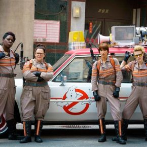 Hiding female cast, 'Ghostbusters' courts malemoviegoers