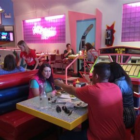 Lines to the 'Max' for 'Saved by the Bell' pop-uprestaurant