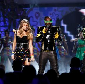 Black Eyed Peas reunite for new 'Where Is The Love?'version