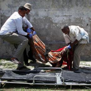 Suicide bomber hits Somalia presidential compound, 12dead